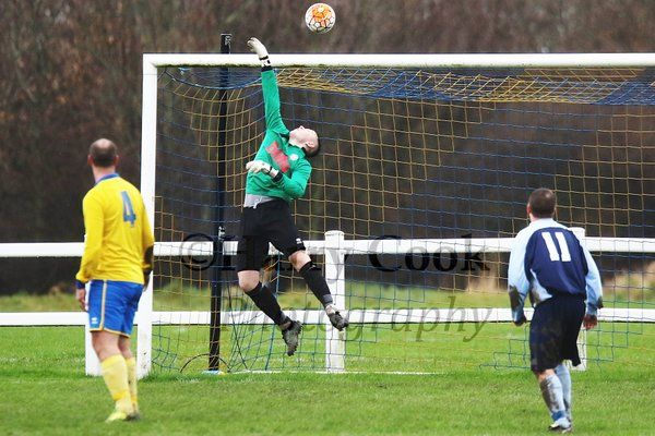 Stockton Town goalkeeper Liam Jordan tips over a Jarrow attempt from distance during yesterdays victory.